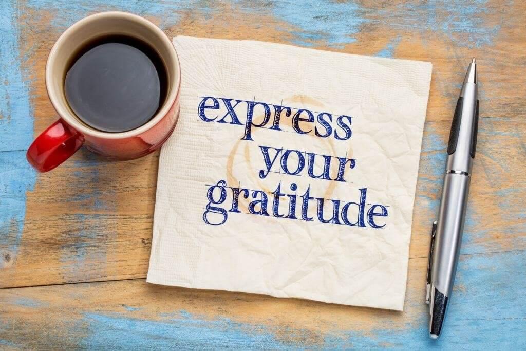 gratitude-cup-note-pen